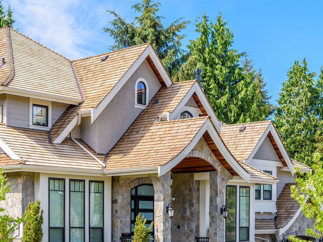 3 benefits of installing a cedar shake roof